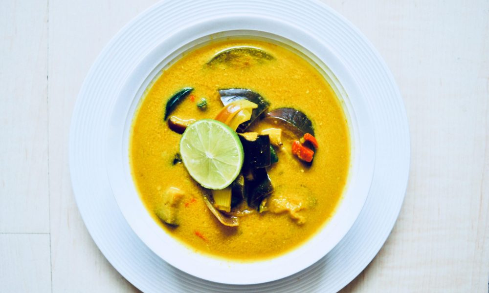 aubergine and courgette curry