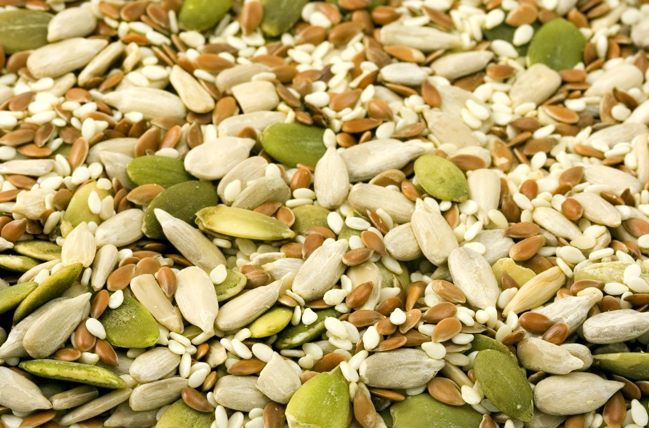 Roasted and mildly spiced sunflower and pumpkin seeds snack